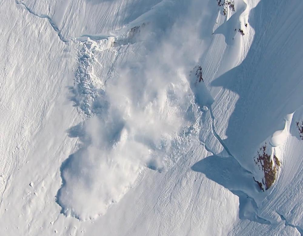 KiteFEEL-lawine-avalance-snow