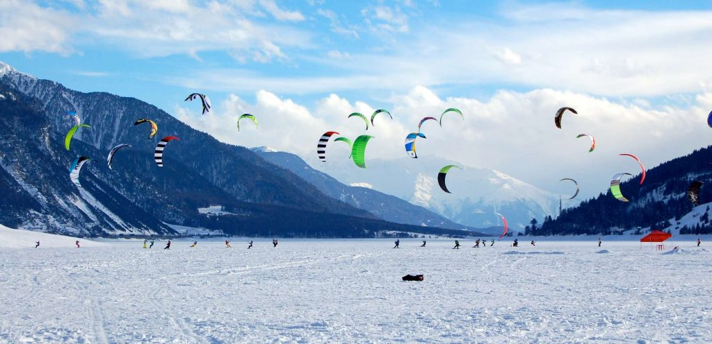 Snowkite-Reschensee-breed